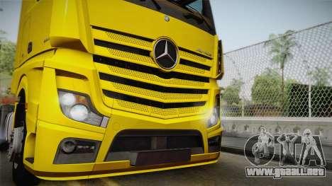 Mercedes-Benz Actros Mp4 4x2 v2.0 Gigaspace v2 para GTA San Andreas vista posterior izquierda