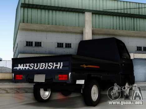 Mitsubishi Colt L300 Pickup para GTA San Andreas left