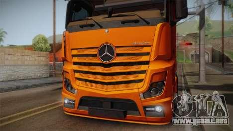 Mercedes-Benz Actros Mp4 4x2 v2.0 Steamspace para la visión correcta GTA San Andreas