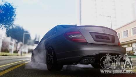 Mercedes-Benz C63 AMG w204 para GTA San Andreas vista hacia atrás