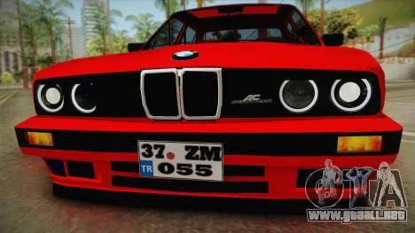 BMW M3 E30 Sedan para GTA San Andreas vista posterior izquierda