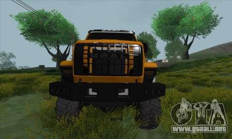 Ural Camión De Combustible Siguiente para visión interna GTA San Andreas