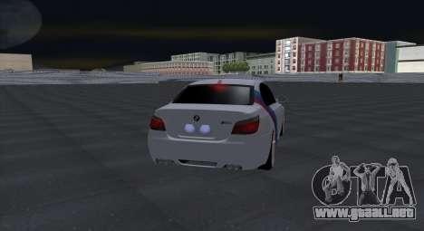 BMW M5 E60 SS (SmotraStyle) para GTA San Andreas vista hacia atrás